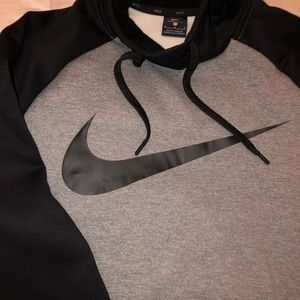NEW W/O TAGS MENS NIKE HOODIE NEVER WORN